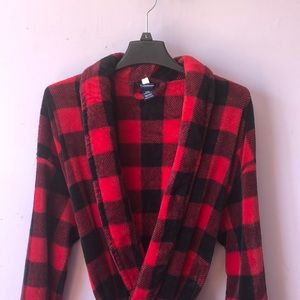 Croft & Barrow Red and Black Checkered Robe
